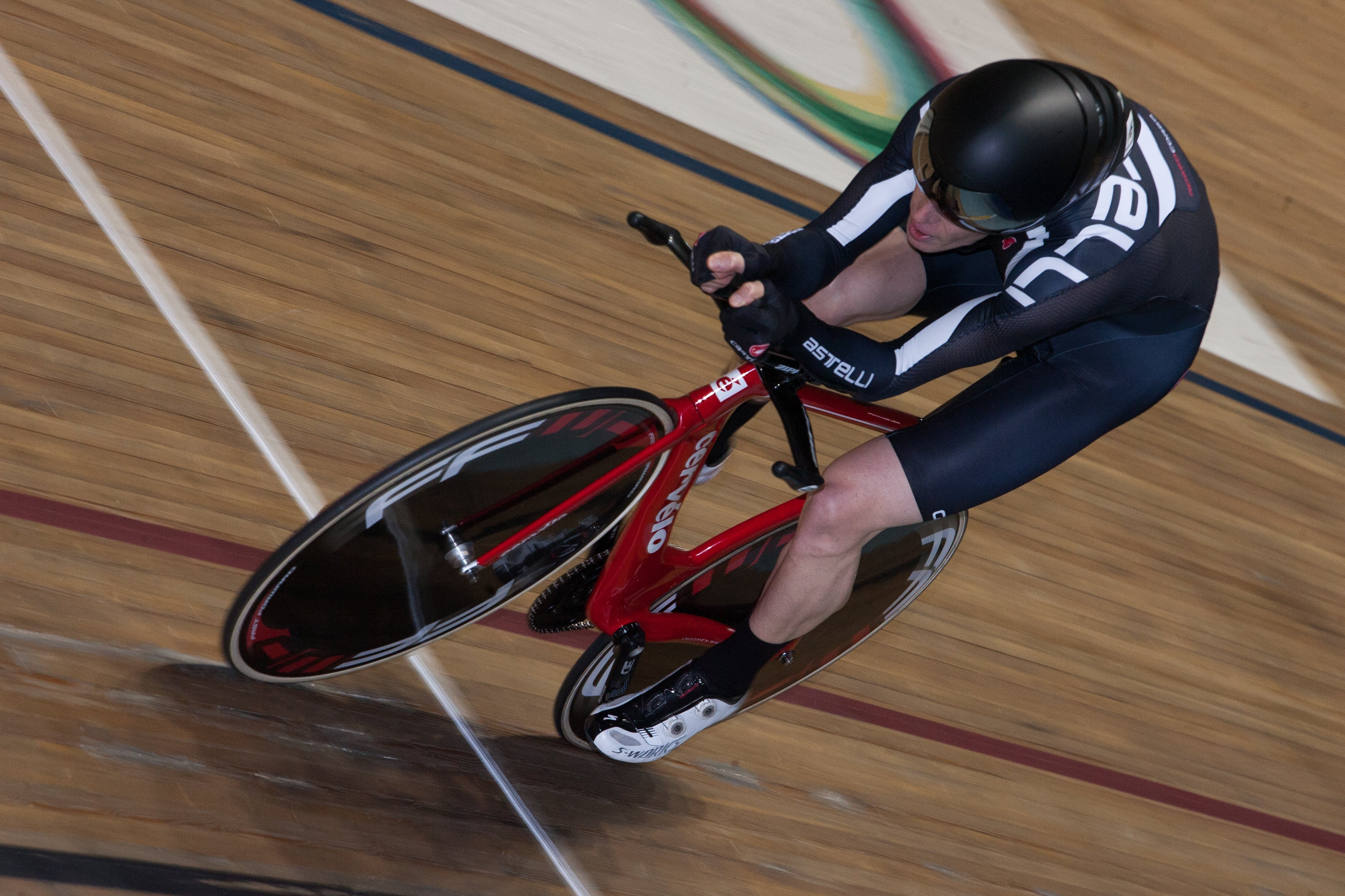 Getting my pain face on during my qualifying ride in the individual pursuit.