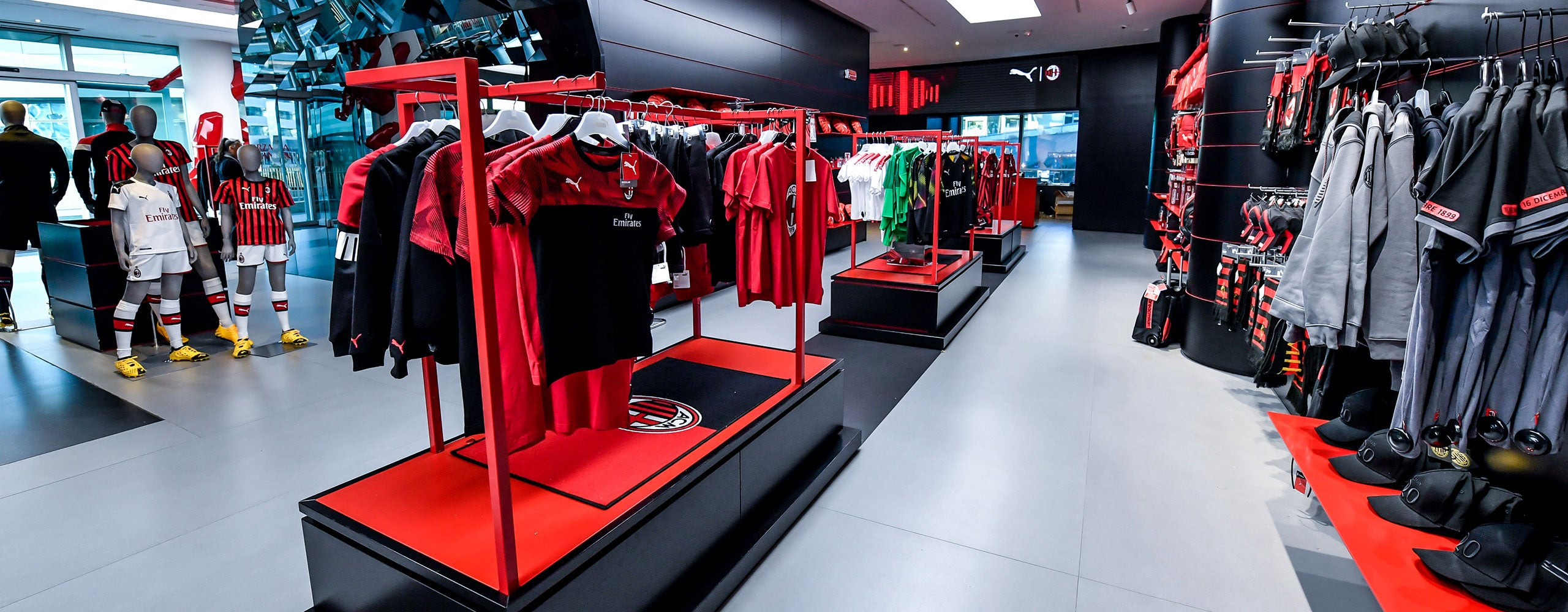 Milan Store: buy in the official shop in Casa Milan