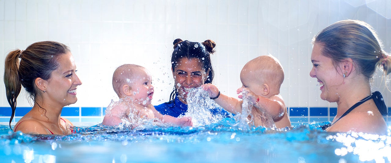 Water Babies: What are the benefits of baby swimming?