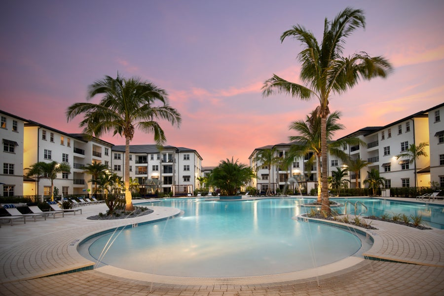 Inspira Luxury Apartment Living in Naples Florida