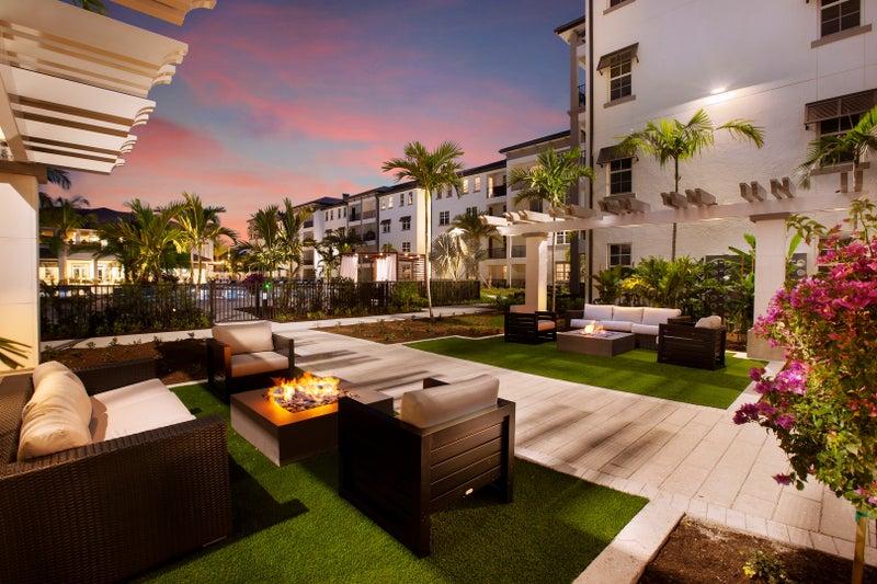 Inspira Luxury Apartments in Naples Florida