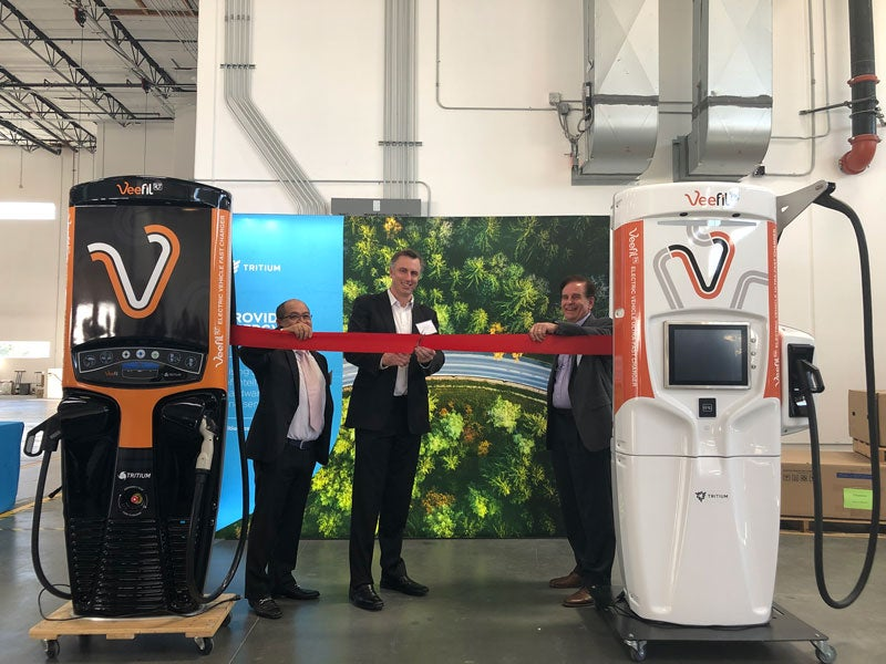 Ribbon cutting at new facility in Los Angeles