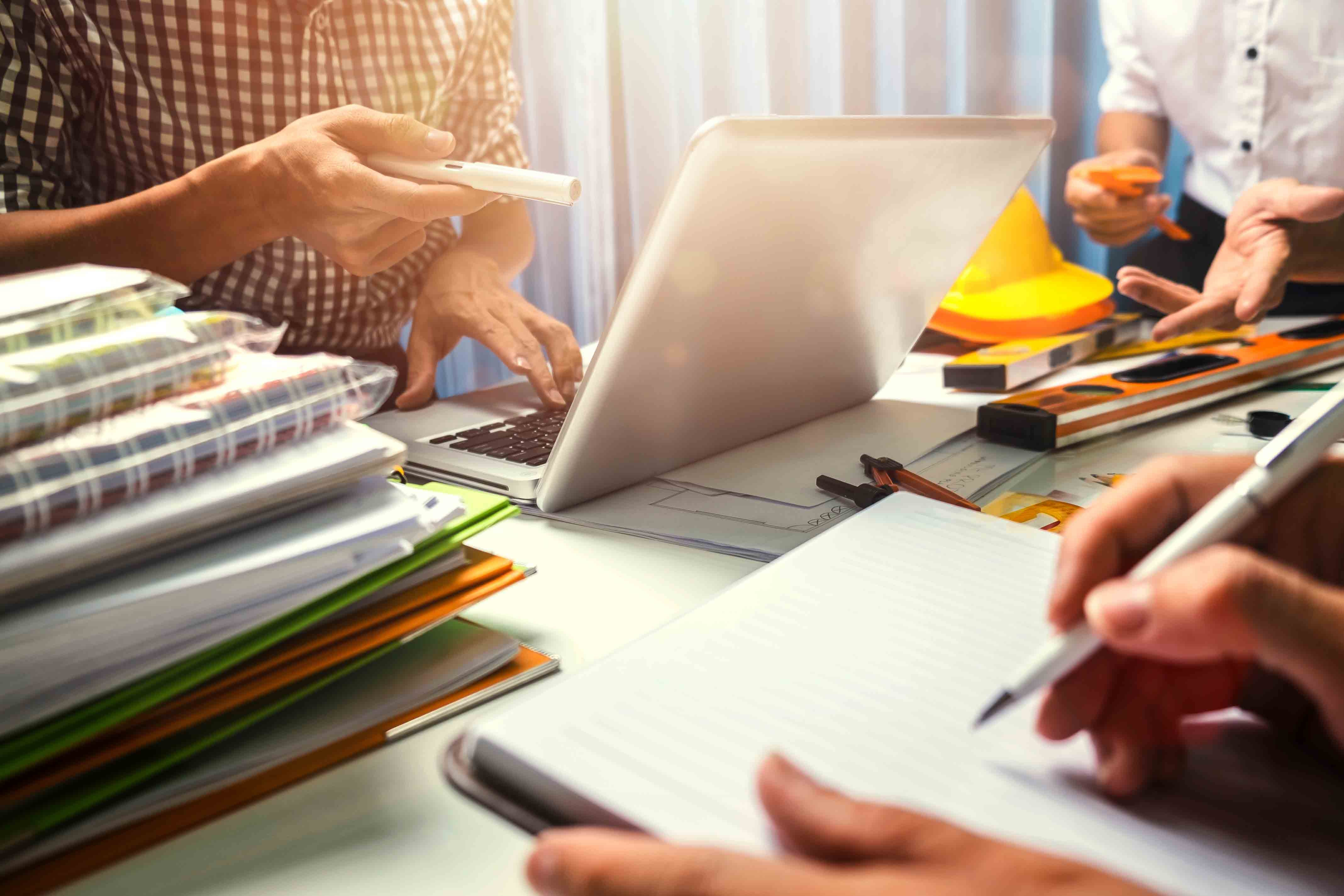 Four year restraint found to be reasonable after sale of employee