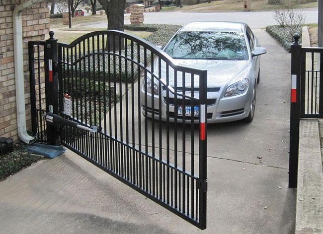 single driveway gate