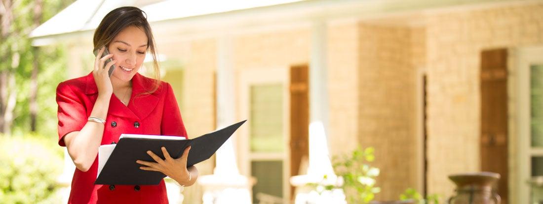 Real estate appraiser outside home