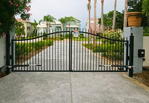 arched top with finials driveway gate
