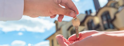 landlord transfers key to the house in hands of renter