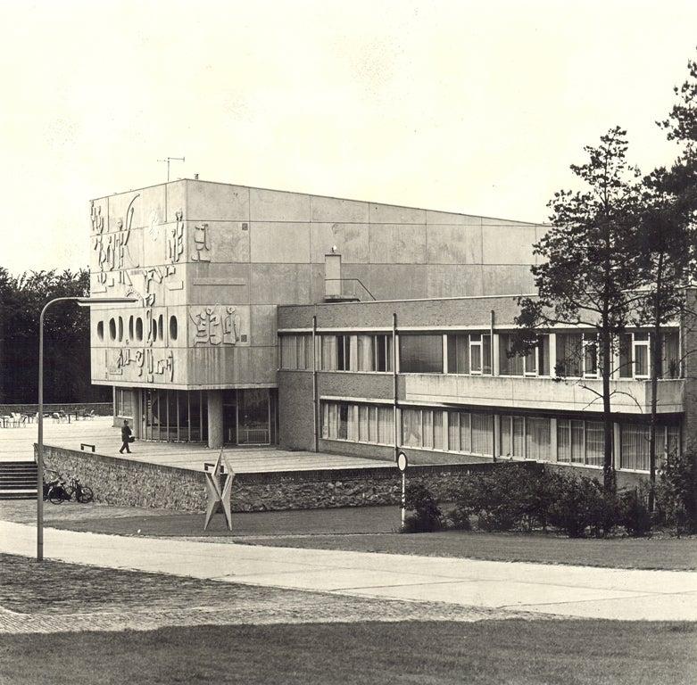 Het nieuwe gebouw van Henricus in Nijmegen, rond 1965.