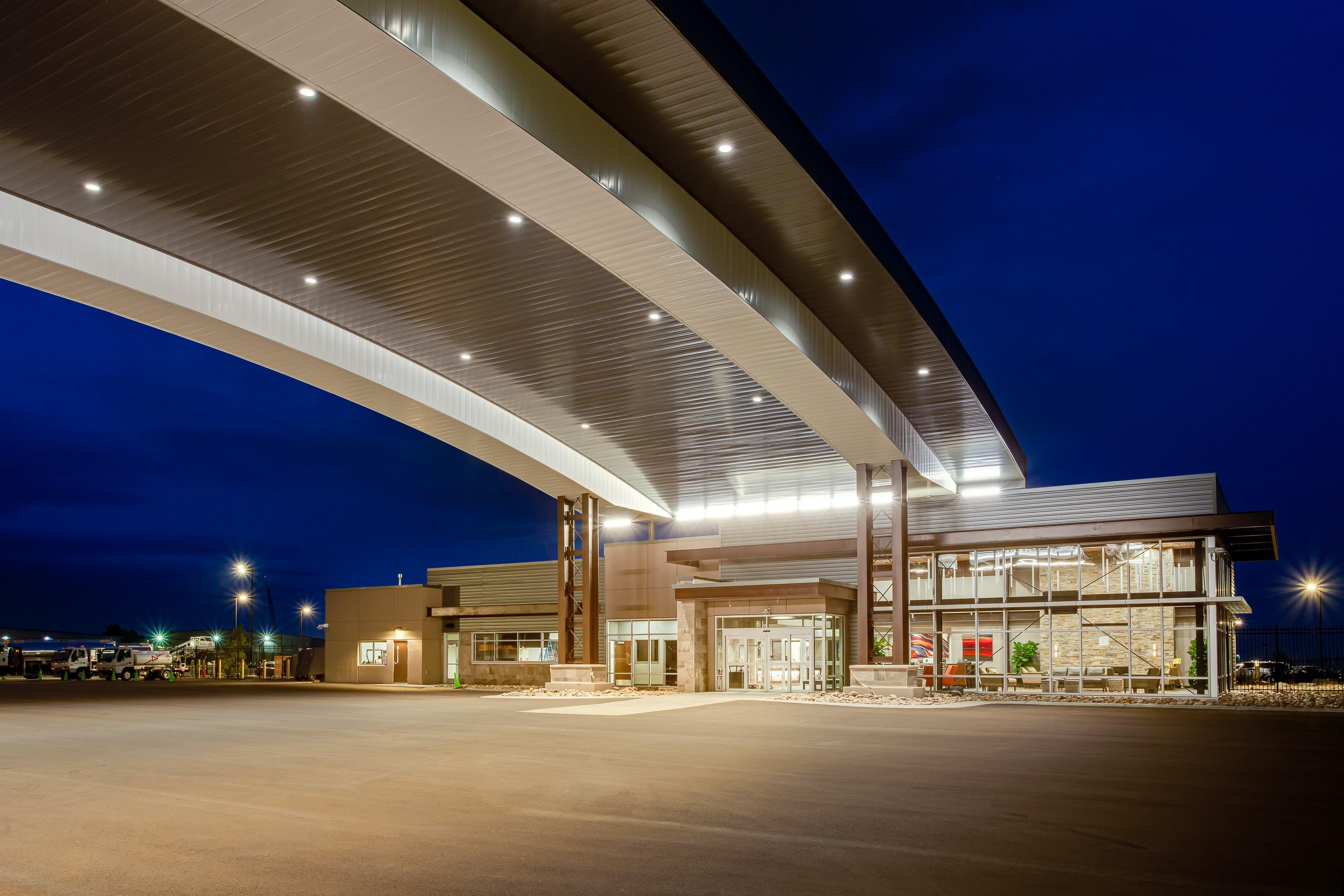 Rocky Mountain Metropolitan Airport Drive-Through Canopy