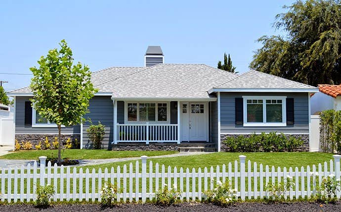 blue house in san joaquin county