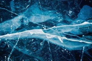 Blauer, geschliffener Kristall Hintergrund
