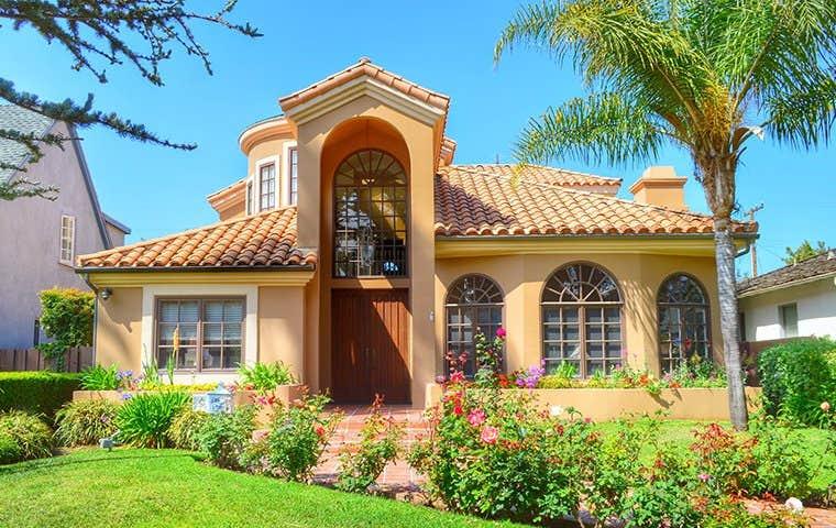 front of a house in sacramento california