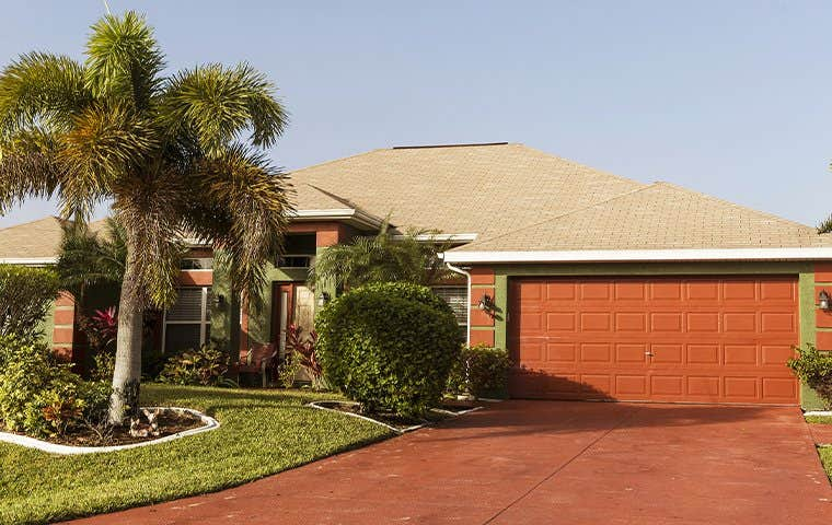 house in florida suburb