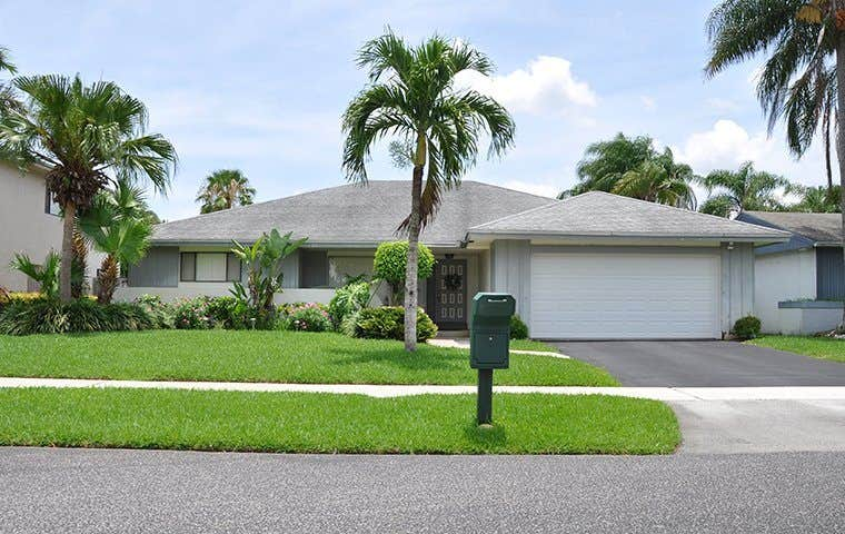 street view of a one story house in tamarac
