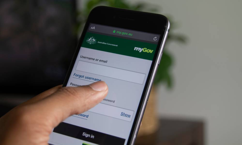 A person accessing myGov app on smartphone (1).jpg