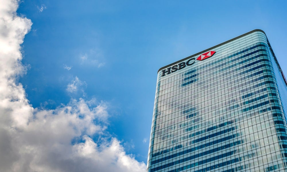 HSBC cut dividends-min.jpg