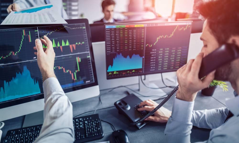 Trader trading stocks during volatility.jpeg