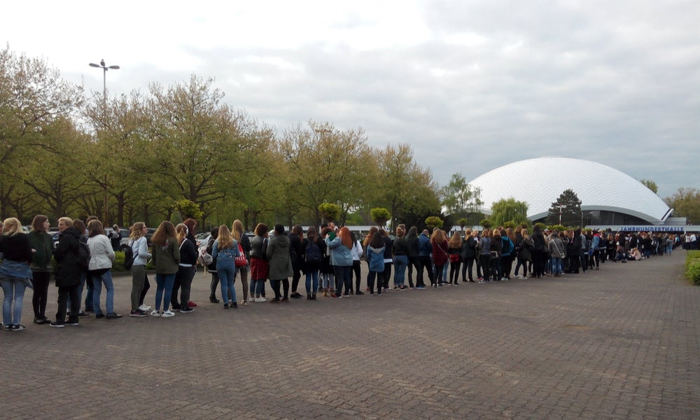 German fans line up for BAP concert-min.jpg