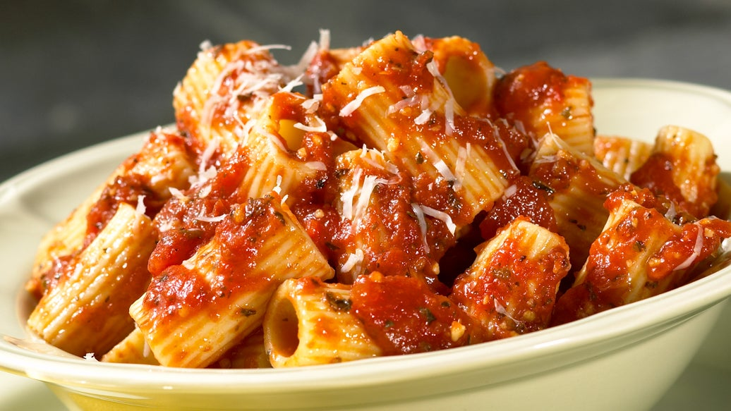 Rigatoni with Pesto Tomato Sauce