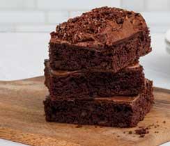 Brownies divins avec sauce fudge au chocolat