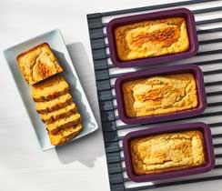 Cheddar & Jalapeño Cornbread Mini Loaves