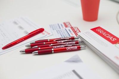 Lápices y formularios de registro