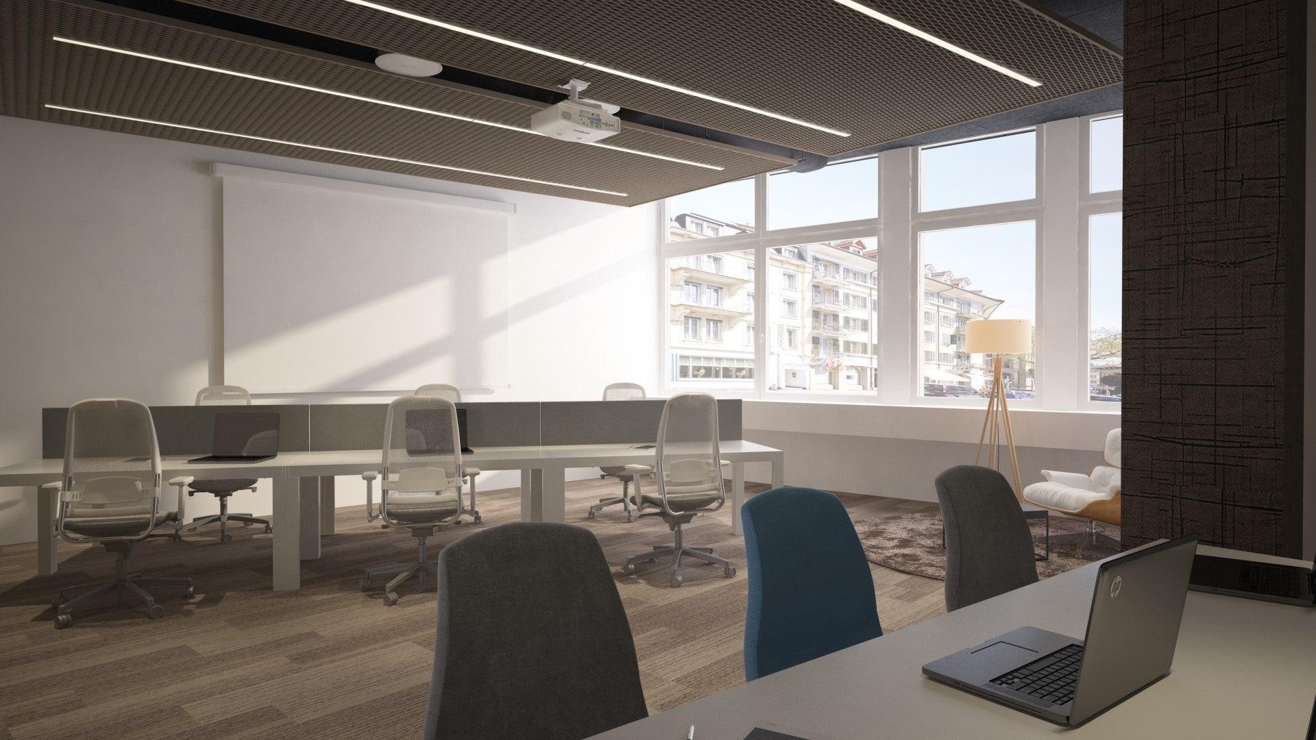 Arbeitsplätze in der Quiet Zone mit eigenen Devices und bequemen Stühlen