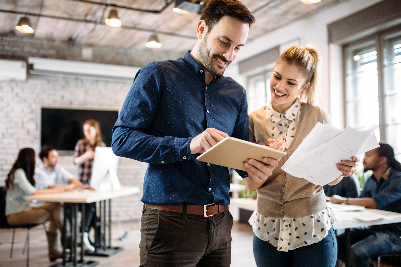 Coworkende Mitarbeiter: Darum lohnt sich Coworking für Unternehmen