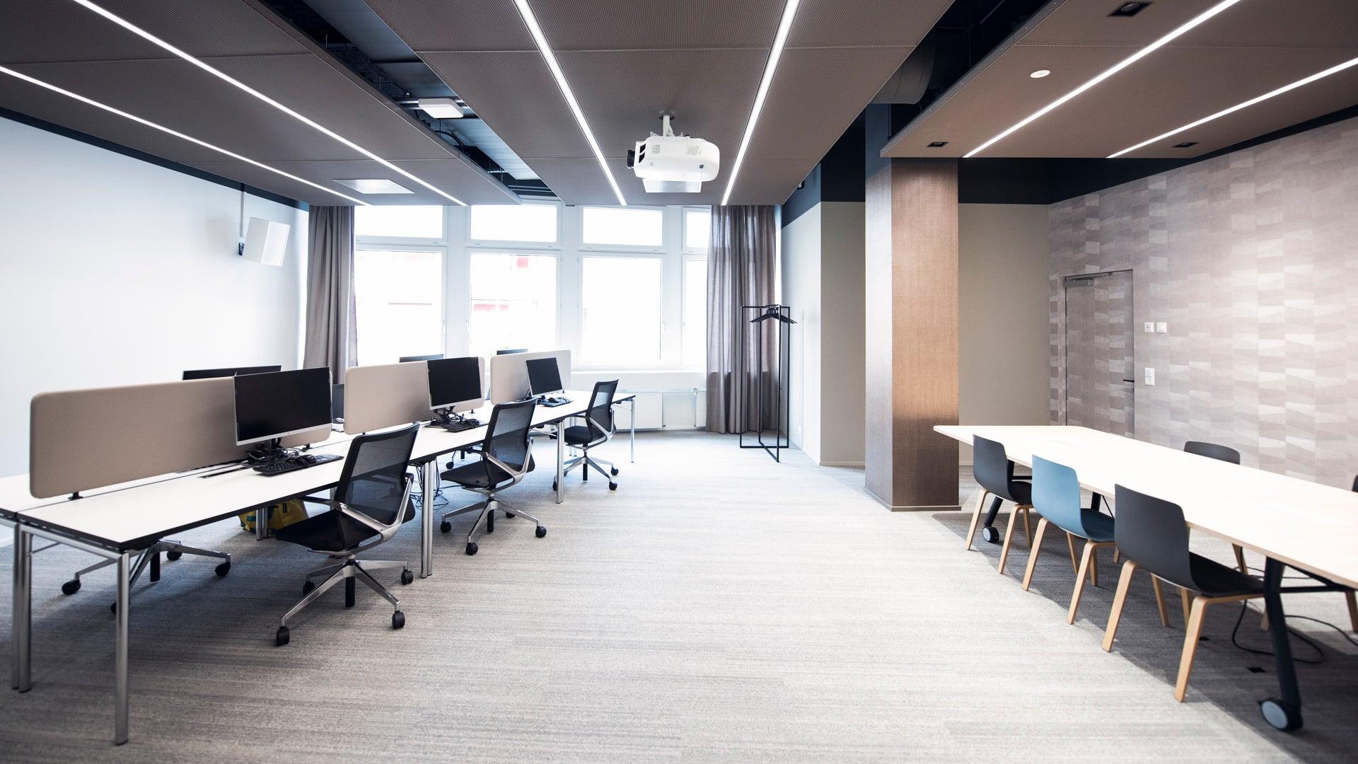 Arbeitsplätze-Raum11