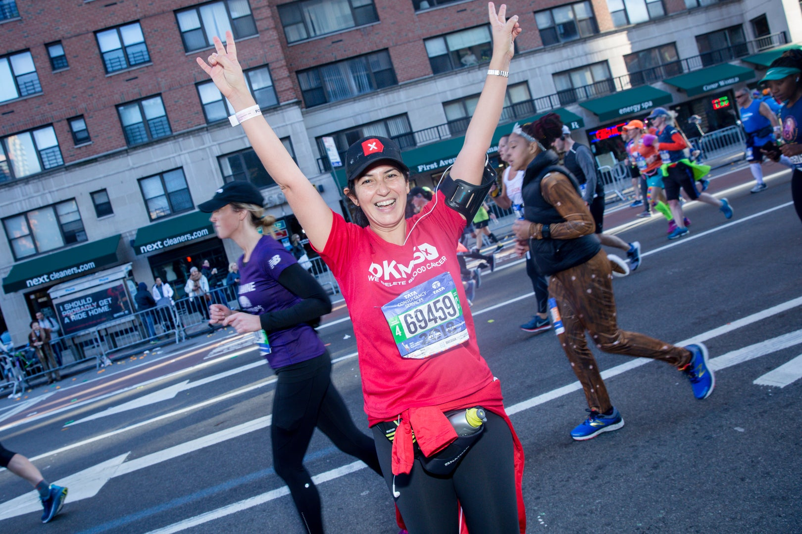 DKMS donor Burcu running for Team DKMS in the NYC Marathon in 2018.