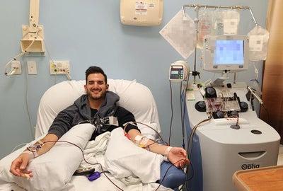 Ari Sohn donating stem cell DKMS