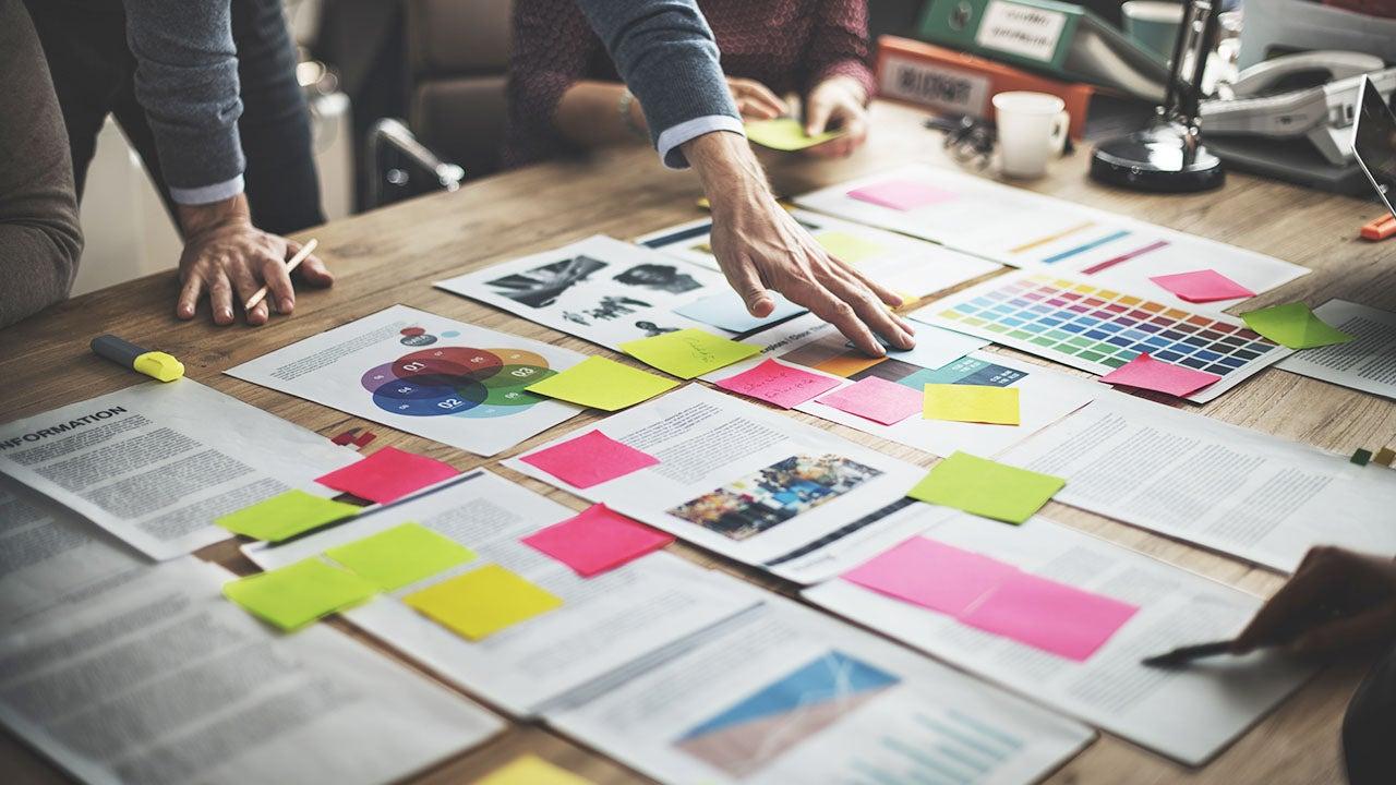 Beeld en DAM overleg voor graphic assets van een CMN retail productie