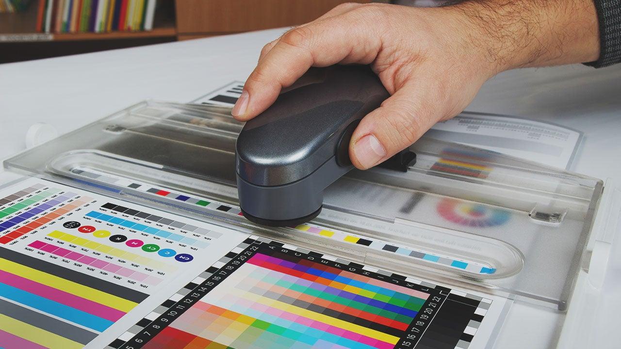 Prepress en Drukwerk kleur echtheid proef door publishing specialisten van CMN