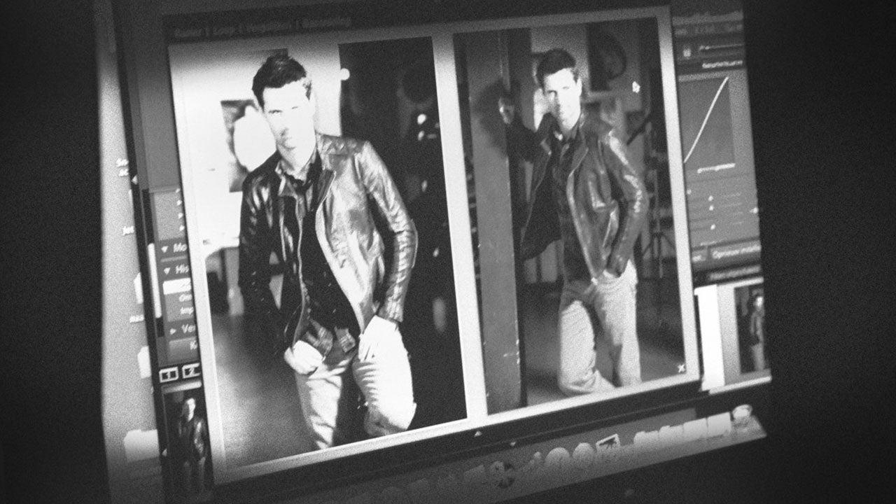 Beeld check door fotograaf tijdens fashion fotografie shoot van CMN