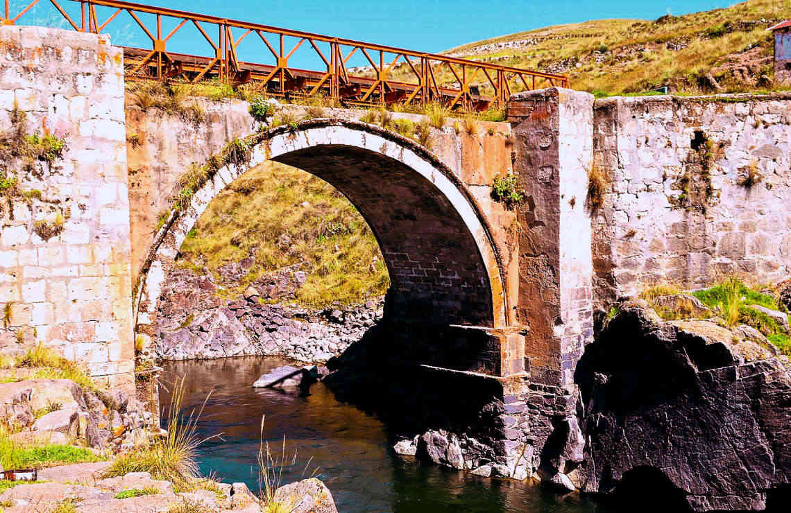 Historical Bridge on the road to Tres Canones
