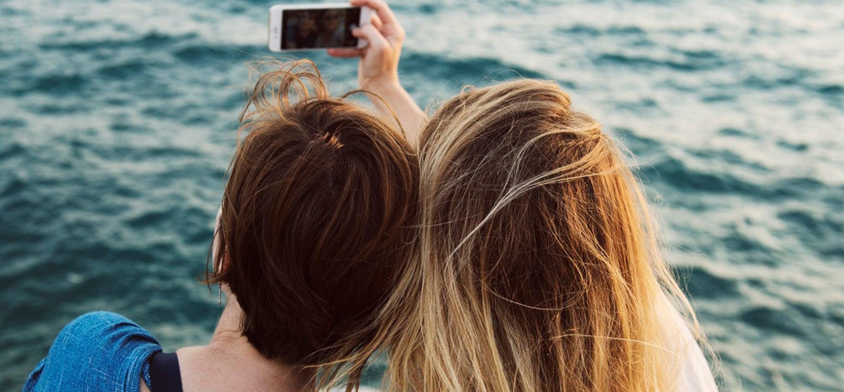 3 Teknik Selfie Maksimal Supaya Selfie-mu Banjir Likes