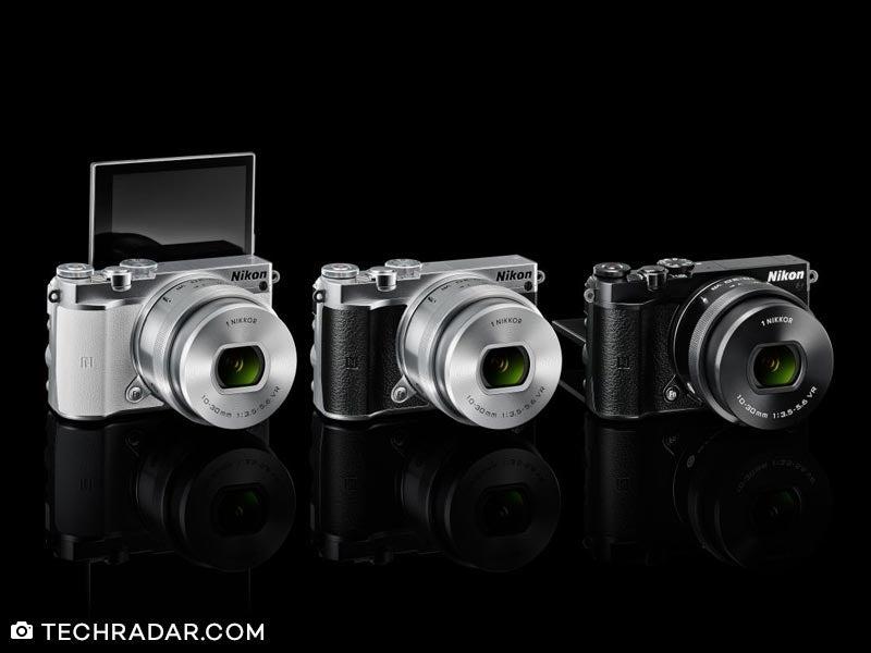 Kamera Mirrorless Nikon 1 J5 Kit 10 30 mm