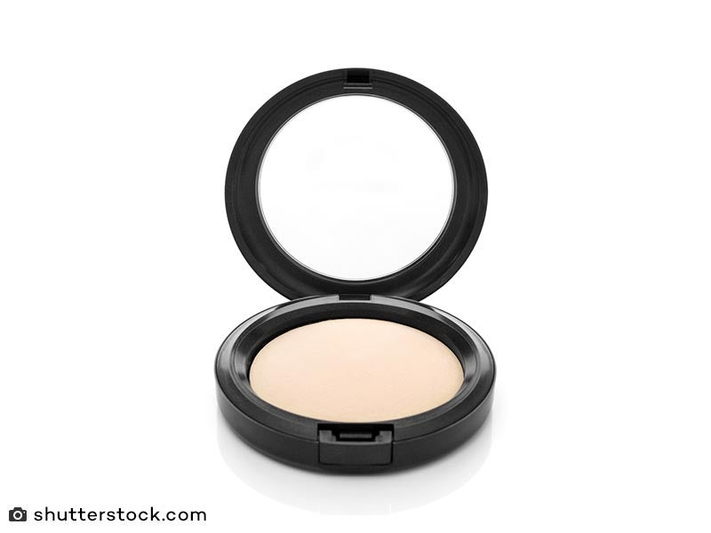 Bedak make up natural