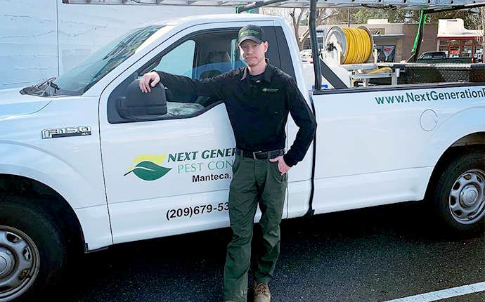 technician in front of a truck in manteca california