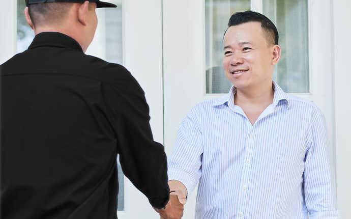 technican greeting customer in manteca california