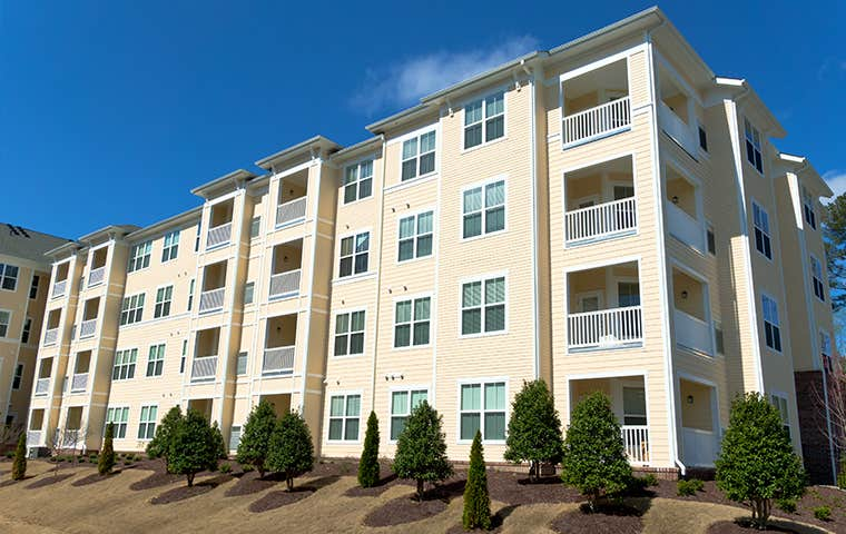 an apaartment complex in lewisville texas