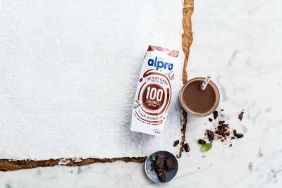 Découvrez la nouvelle boisson Alpro soja Choco 100 kcal!