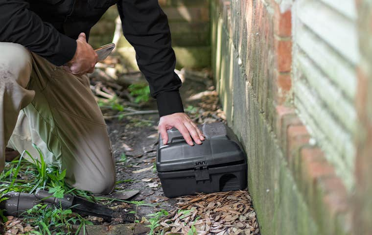 technician treating exterior in akron ohio