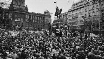 """1989−2019: od """"sametu"""" k """"roku české národní hrdosti"""""""