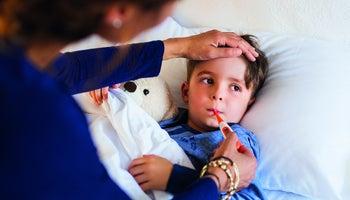 Jak na horečku u dítěte? Vždy ji srazit!