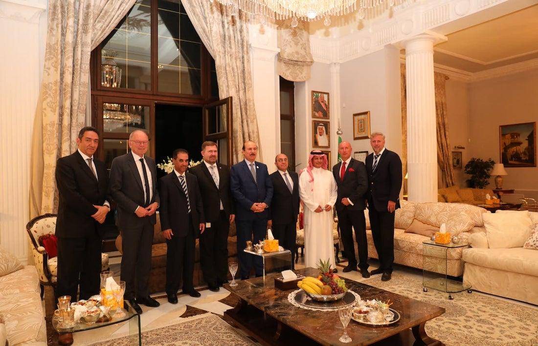 Velvyslanec Království Saúdské Arábie v České republice, Jeho Excelence Naif Al Aboud, uspořádal pracovní večeři.