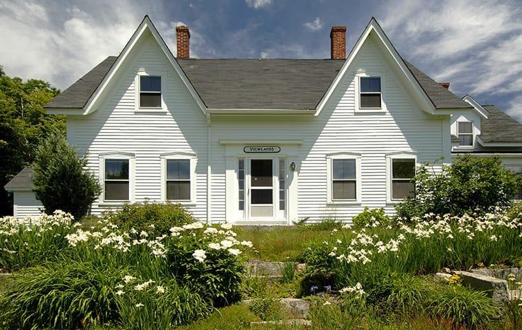 a white farm house