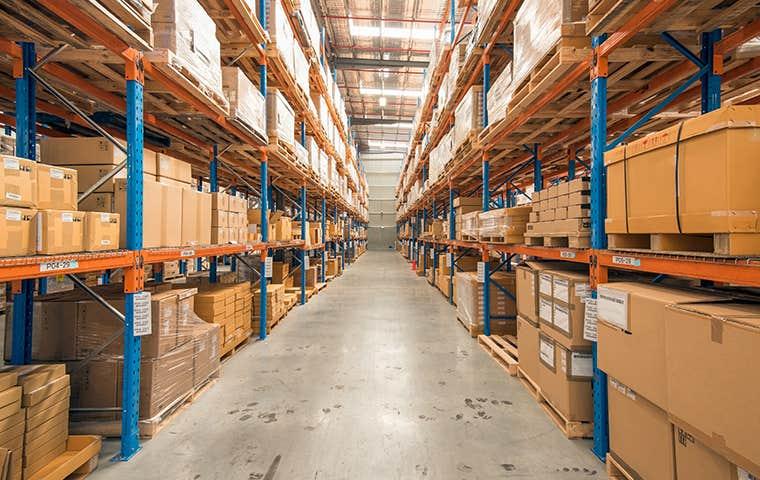 warehouses with full shelves