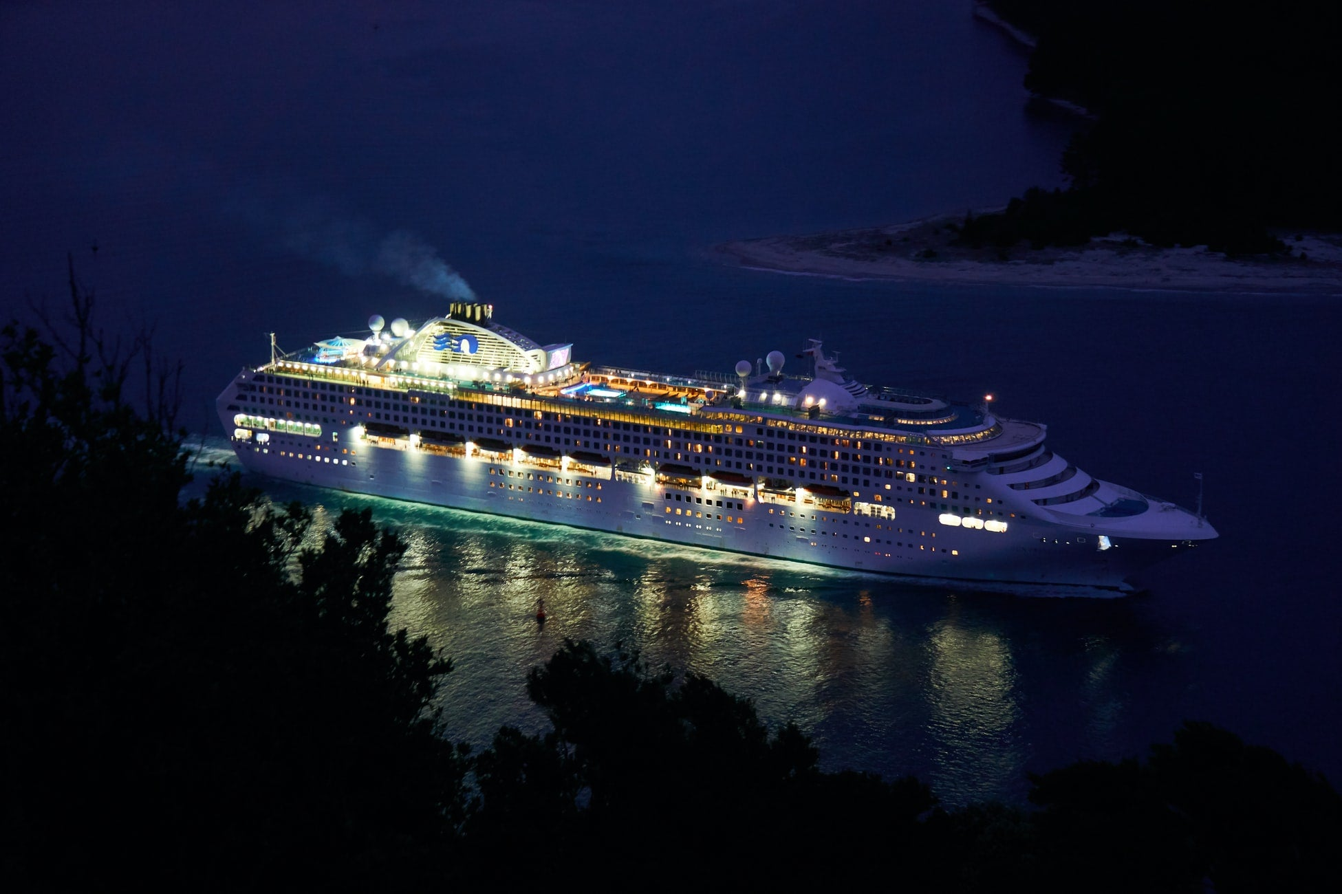 Cruise industry strikes heavy weather