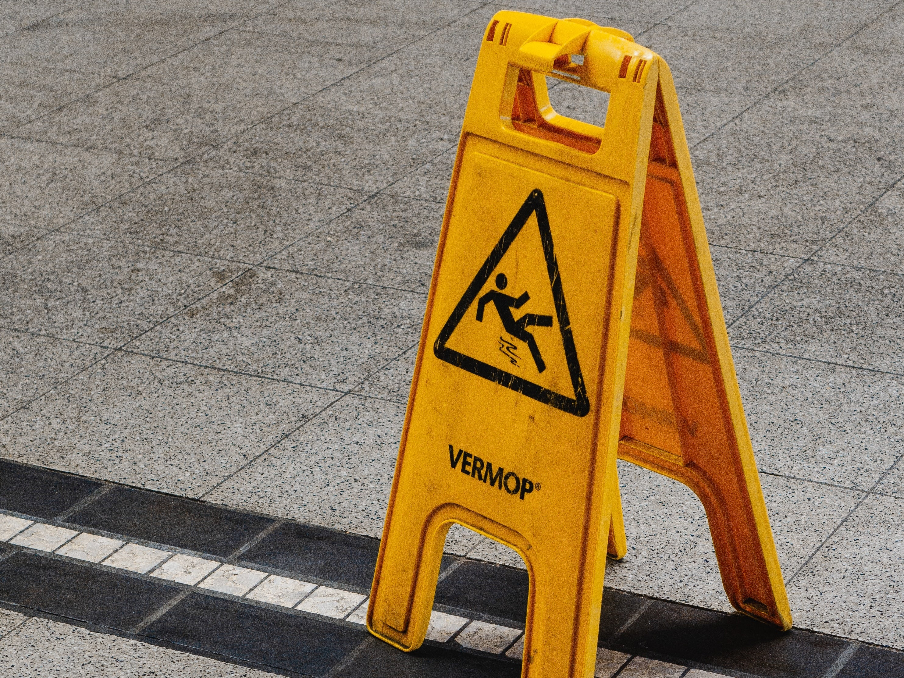 Slippery business: A slip during a work trip not compensable, says Federal Court